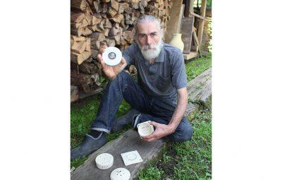 復興支援をメダルで感謝 山形の陶芸家ら、五輪出場国へ贈呈計画