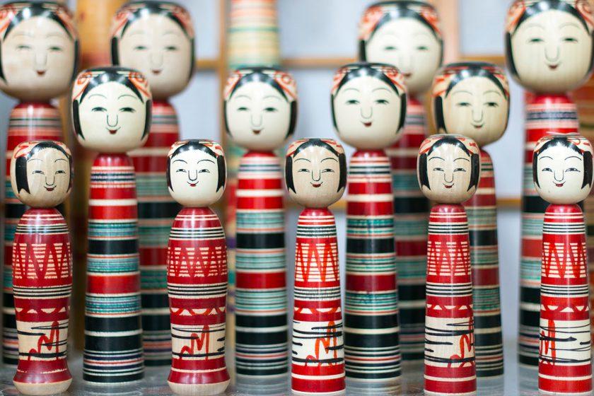 福島:伝統の「こけし」、土湯温泉の復興の力に。五輪に向けた計画も