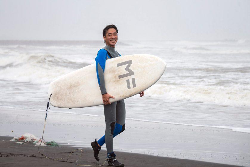 都会から移住するサーファーたち 千葉・一宮町で新たな人生の波に乗る